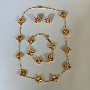 4 leaf clover plated gold set